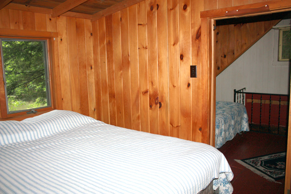 Wild Turkey Riverfront Cabins - Bedroom Loft (Second Double Bed)